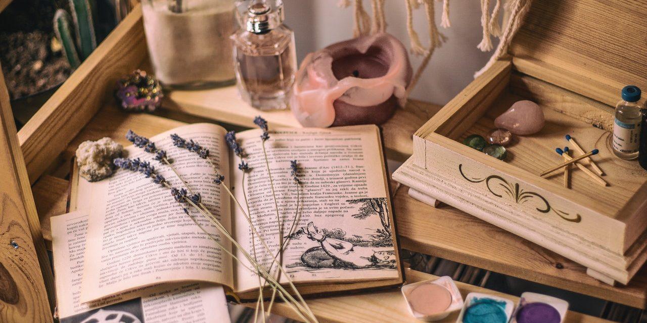 Beste Wicca-Boeken: Top 10 Aanraders [2021 Update]