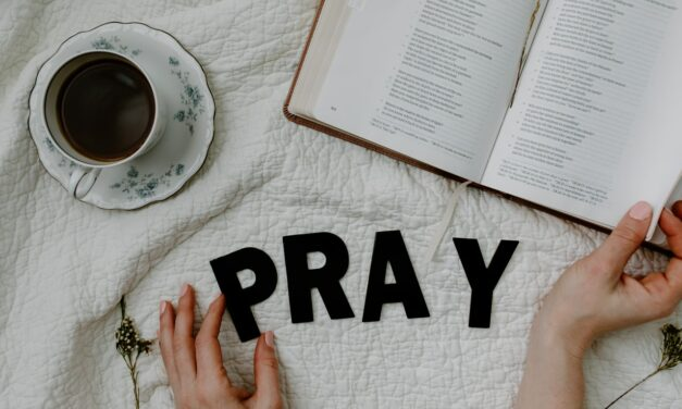 Beste Gebedenboeken: De Mooiste Aanraders [Top 10]