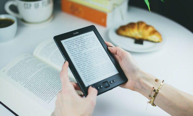 Top 10 Goedkope E-readers: Kwalitatief & Vriendelijk Geprijsd [2021]